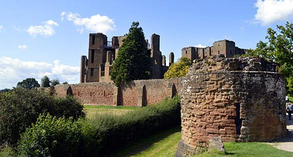 kenilworth castle in the sun