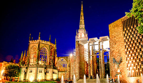 night scene of coventry cathedral